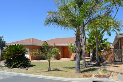 Property For Sale in Kleinbron Estate, Cape Town