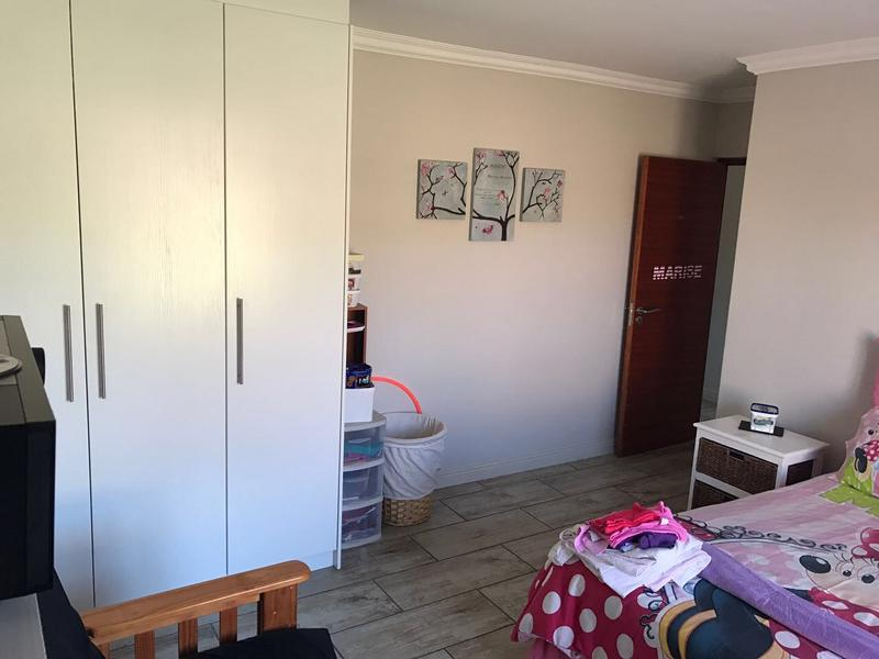 Property For Rent in Kleinbron Park, Cape Town 11