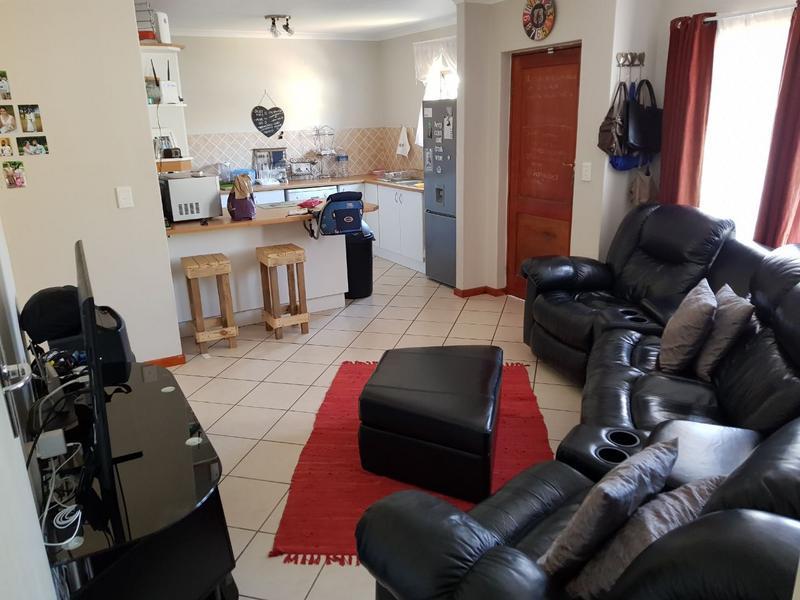 Townhouse For Rent in Brackenfell, Brackenfell