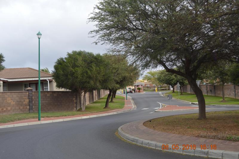 Property For Sale in Kleinbron Park, Cape Town 6