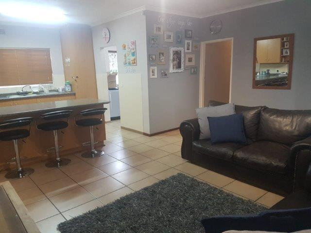 Property For Sale in Vredekloof, Brackenfell 12