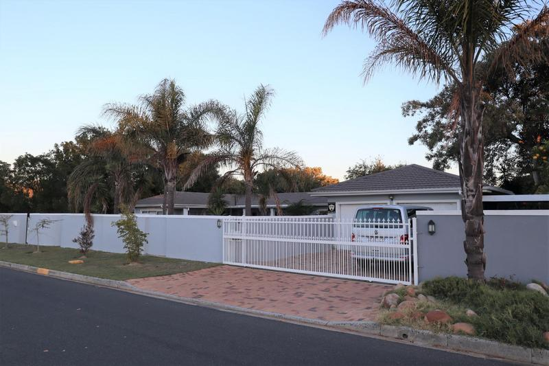 Property For Sale in Durbanville, Durbanville 40