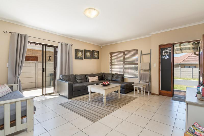 Property For Sale in Sonstraal Heights, Durbanville 3