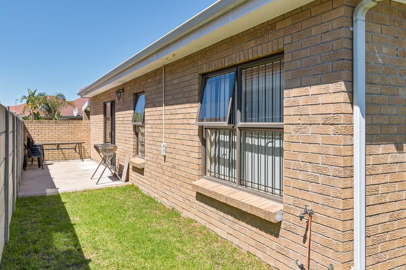 Property For Sale in Sonstraal Heights, Durbanville 19