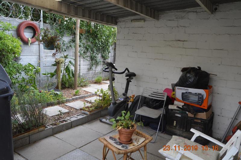 Cottage For Rent in Oakglen, Bellville