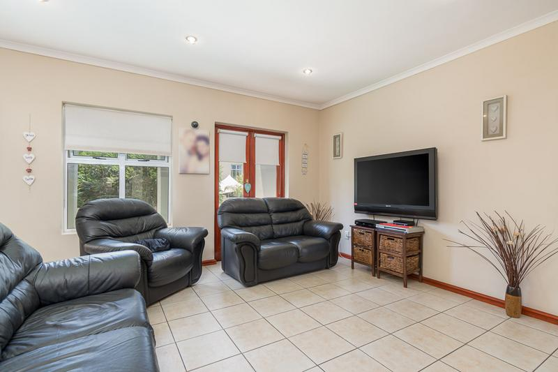 Property For Sale in Kleinbron Park, Cape Town 3
