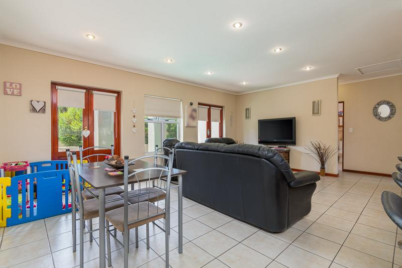 Property For Sale in Kleinbron Park, Cape Town 7