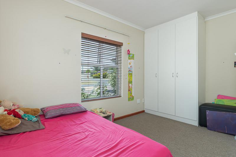 Property For Sale in Kleinbron Park, Cape Town 16