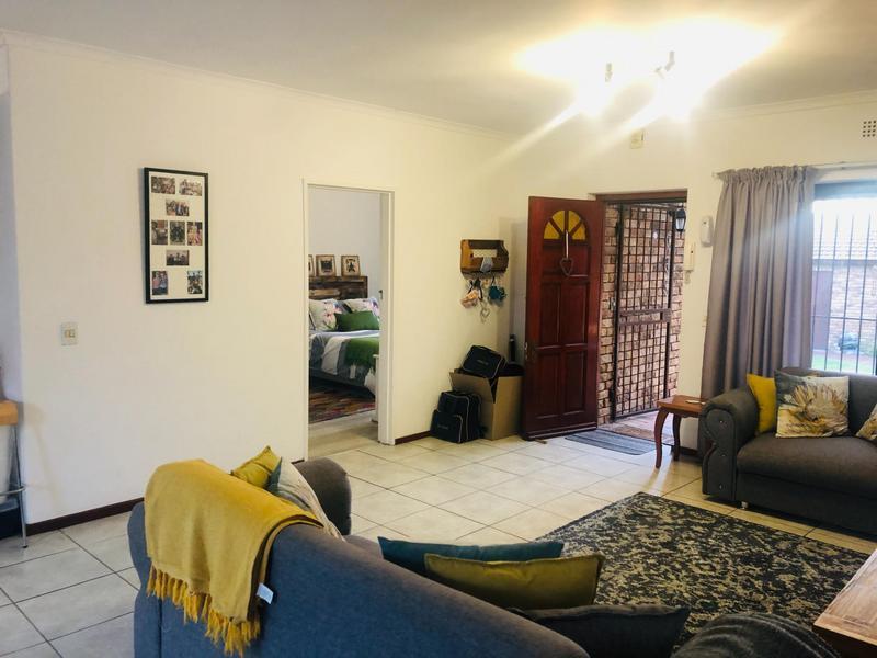 Townhouse For Rent in Kenridge, Durbanville