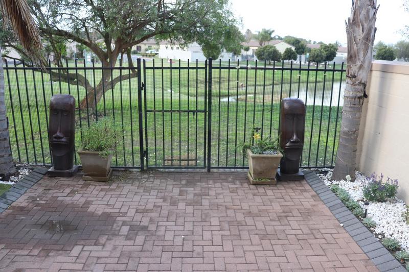 Property For Sale in Kleinbron Park, Cape Town 14