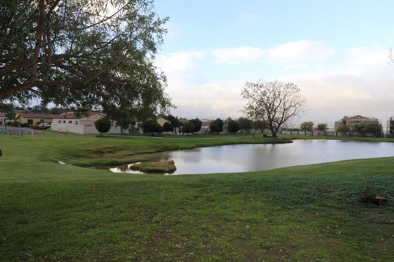 Property For Sale in Kleinbron Park, Cape Town 15