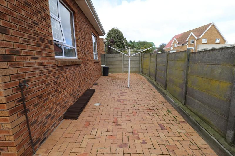 Property For Rent in The Crest, Durbanville 15