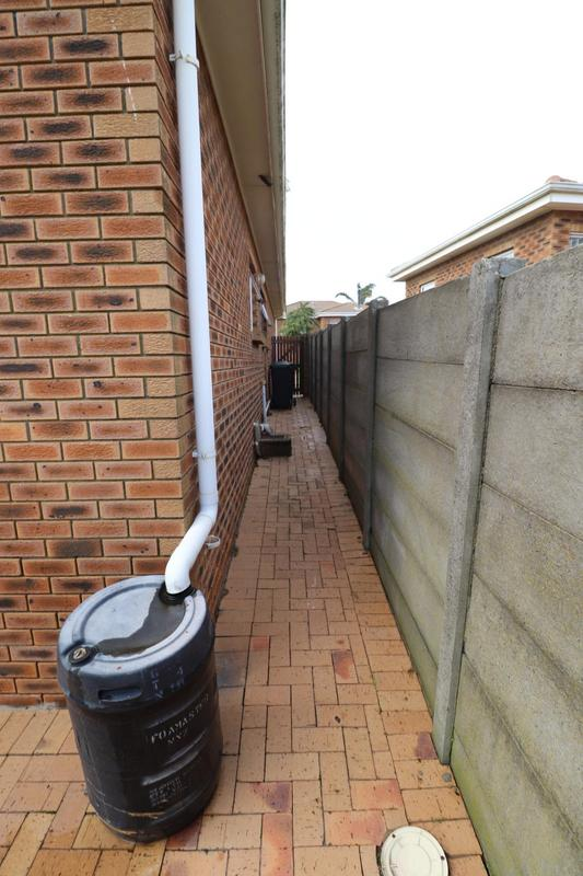 Property For Rent in The Crest, Durbanville 16
