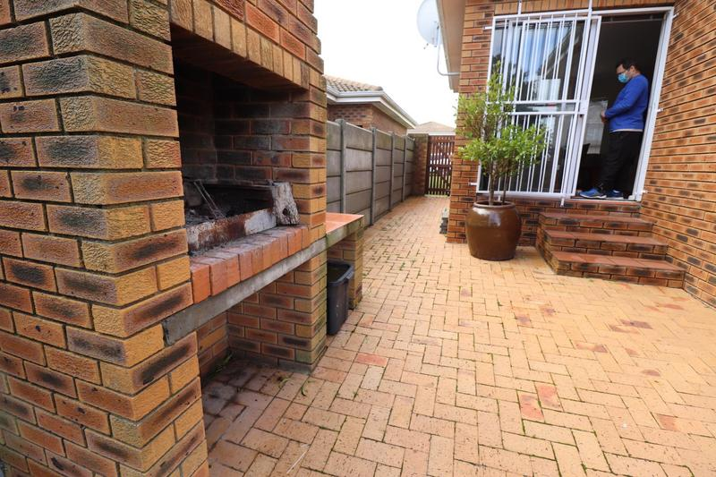 Property For Rent in The Crest, Durbanville 17