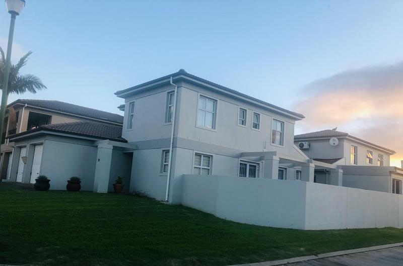 Townhouse For Sale in Kleinbron Park, Cape Town