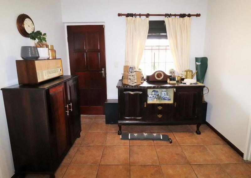 Property For Sale in The Crest, Durbanville 3