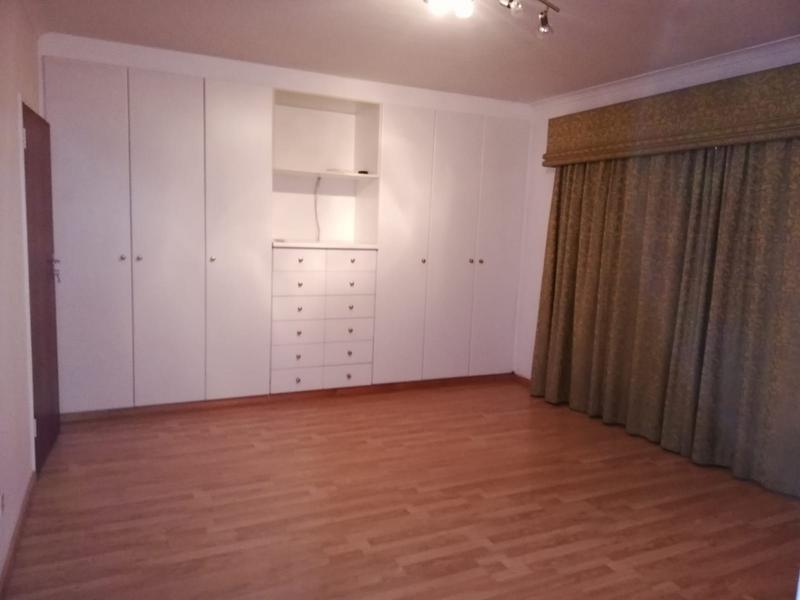 Cottage For Rent in Plattekloof, Parow